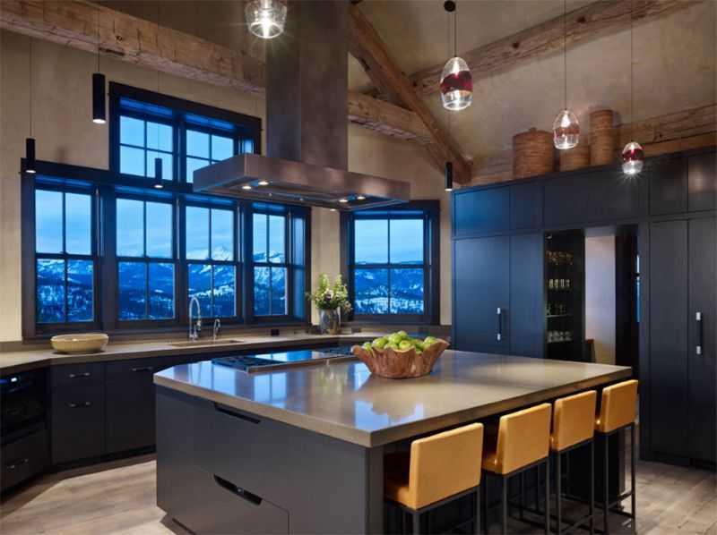 Phân tầng phong cách sẽ là một trải nghiệm thú vị cho những gia chủ thích mẫu nội thất phòng bếp đẹp giản dị như thế này